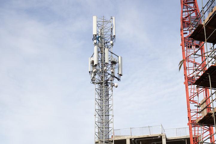 Freshwave no coverage disruption mast management service